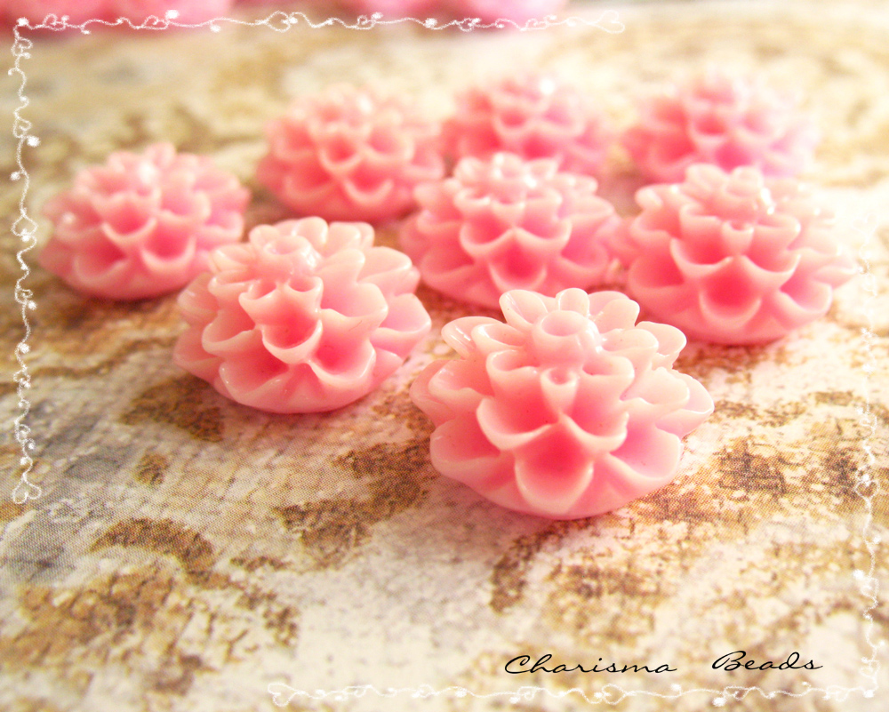 12 Resin Chrysanthemum Flower Cabochons Accessory 15x8mm