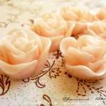 18 Resin Roses Cabochons Flower Acc..